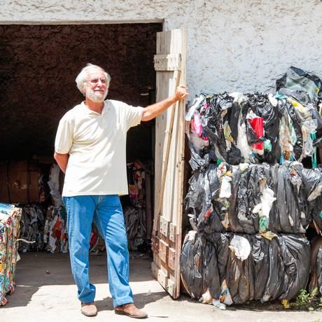 Emílio Eigenheer, idealizador do projteo de coleta seletiva de lixo na cidade Foto: Agência O Globo