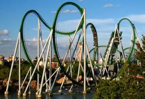 A montanha-russa The Incredible Hulk, no Universal Orlando Foto: Wikipedia / Reprodução