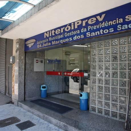 Fachada da NiteróiPrev, em Niterói Foto: Márcio Alves / Agência O Globo