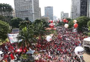 Central Única dos Trabalhadores (CUT) promove ato do Dia dos Trabalhadores no Vale do Anhangabaú Foto: Marcos Alves / Agência O Globo