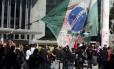Em Curitiba, manifestantes protestam contra