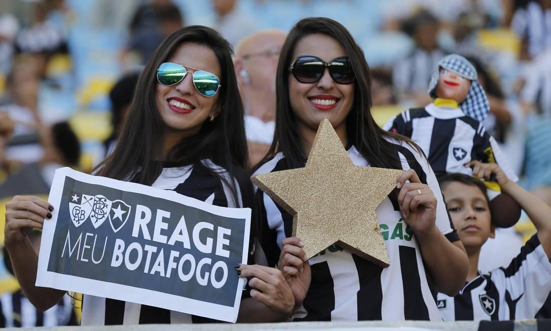 Torcida faz a festa na final do Campeonato Carioca entre Botafogo e Vasco no Maracanã Alexandre Cassiano / Agência O Globo