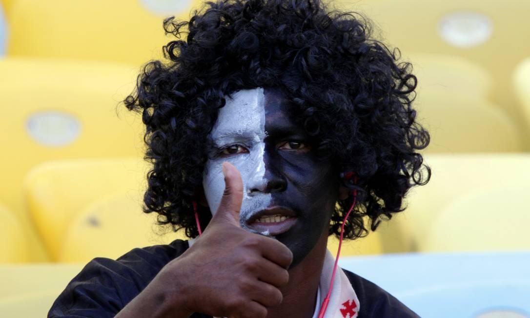 O vascaíno resolveu pintar o rosto para a grande decisão Cezar Loureiro / Agência O Globo