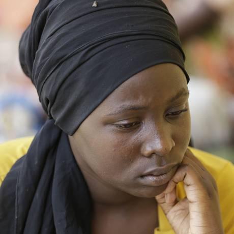 Binta Ibrahim foi resgatada pelas forças nigerianas e levada a um acampamento em Yola, na Nigéria Foto: Sunday Alamba / AP