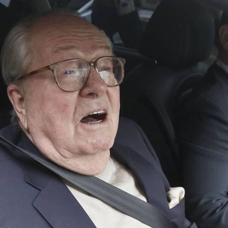 Jean-Marie le Pen, ex-líder da Frente Nacional: partido pune declarações polêmicas Foto: Michel Euler / AP