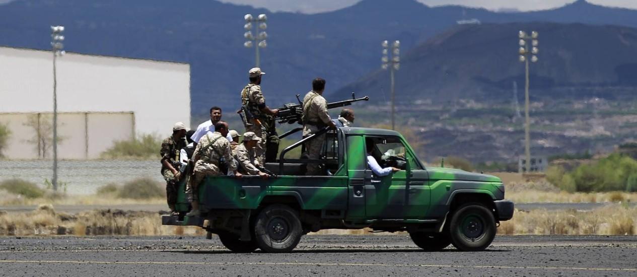 Houthis continuam expandidndo territórios e ainda rechaçaram bombardeios sauditas Foto: MOHAMMED HUWAIS / AFP