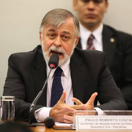 Paulo Roberto Costa presta depoimeto pela quarta vez no Congresso Foto: Ailton de Freitas / Agência O Globo