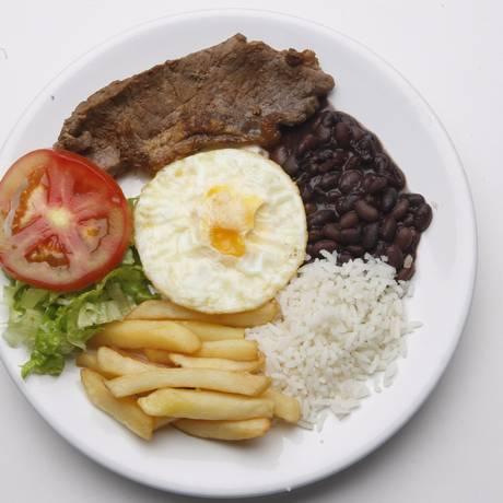 Preço médio do prato feito em Niterói é de R$ 14,87, sétimo mais caro entre os municípios pesquisados Foto: Luis Alvarenga / Agência O Globo