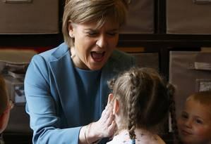 Em ascensão. Nicola Sturgeon, que lidera o Partido Nacionalista Escocês Foto: RUSSELL CHEYNE / REUTERS