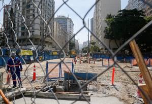 Canteiro de obras da Linha 4 do metrô próximo ao Jardim de Alah: Justiça limita barulho à noite Foto: Fábio Rossi / Agência O Globo (05/12/2013)