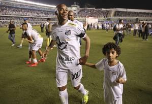 Robinho é um desejo antigo do técnico Vanderlei Luxemburgo para o Flamengo Foto: Andre Penner / AP