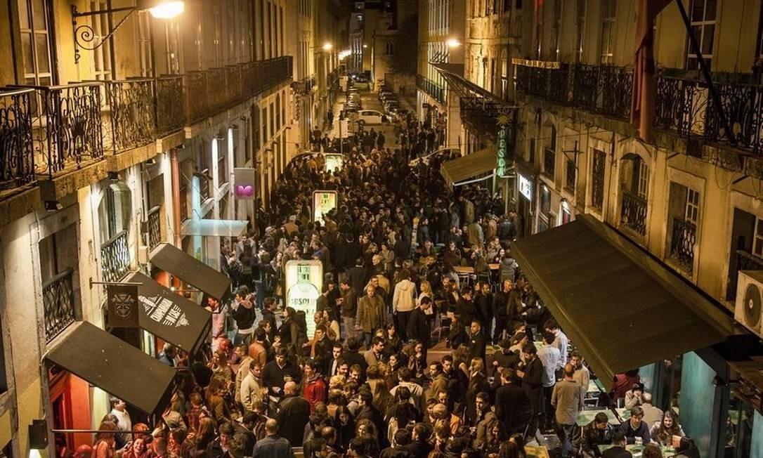 A Rua Nova do Carvalho é a mais nova rua festiva de Lisboa, em Portugal Foto: JOAO PEDRO MARNOTO / The New York Times