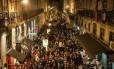 A Rua Nova do Carvalho é a mais nova rua festiva de Lisboa, em Portugal