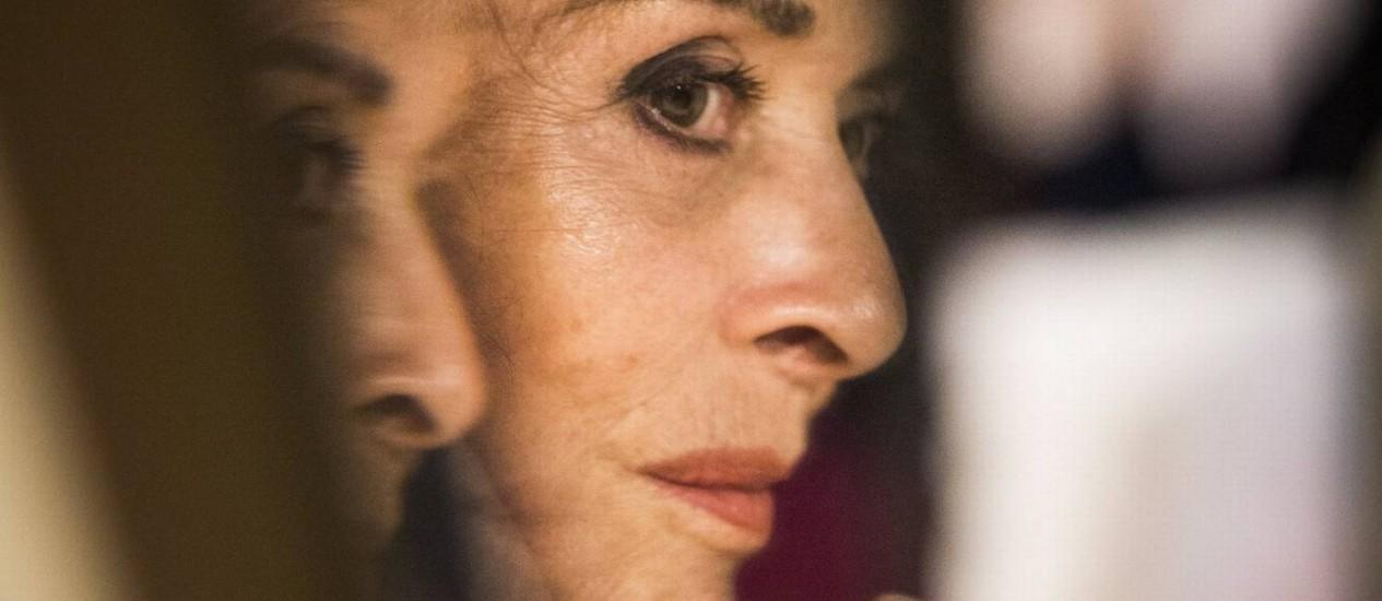 """Apagando incêndio. Betty Faria cancelou as férias para capitanear o novo elenco da comédia """"A atriz"""", escrita pelo britânico Peter Quilter Foto: Fabio Seixo / Fabio Seixo"""