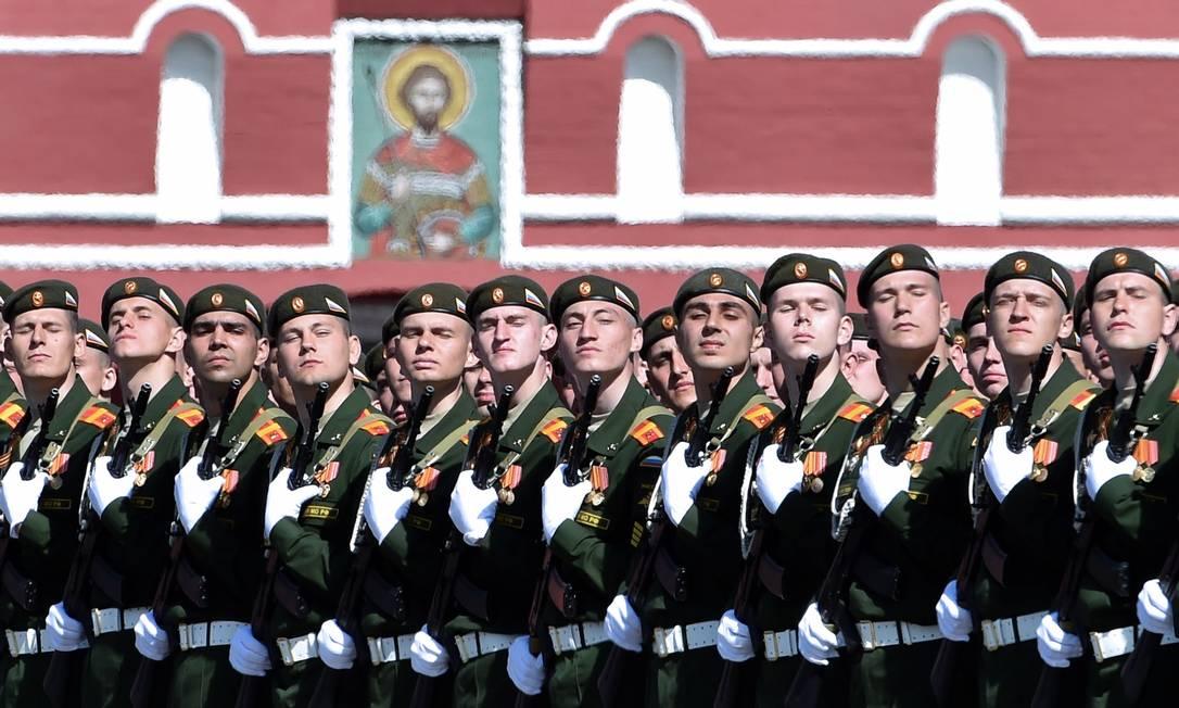 """A Rússia comemora no sábado, dia 09 de maio, os 70 anos da vitória na Segunda Guerra Mundial, chamada no país de """"A Grande Guerra Patriótica"""" KIRILL KUDRYAVTSEV / AFP"""