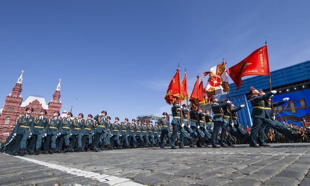 Durante a guerra, a então União Soviética perdeu 9 milhões de soldados e mais de 17 milhões de civis Alexander Zemlianichenko / AP