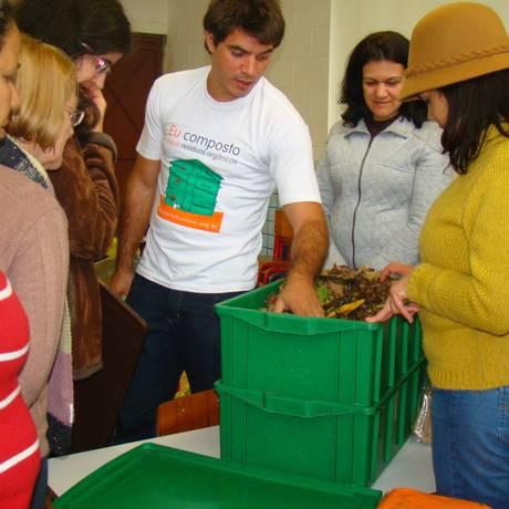 Oficina com participantes do programa Composta SP. Foto: Divulgação