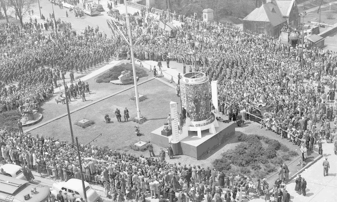 Plateia celebra o Dia da Vitória em Ottawa, no Canadá Foto: HANDOUT / REUTERS