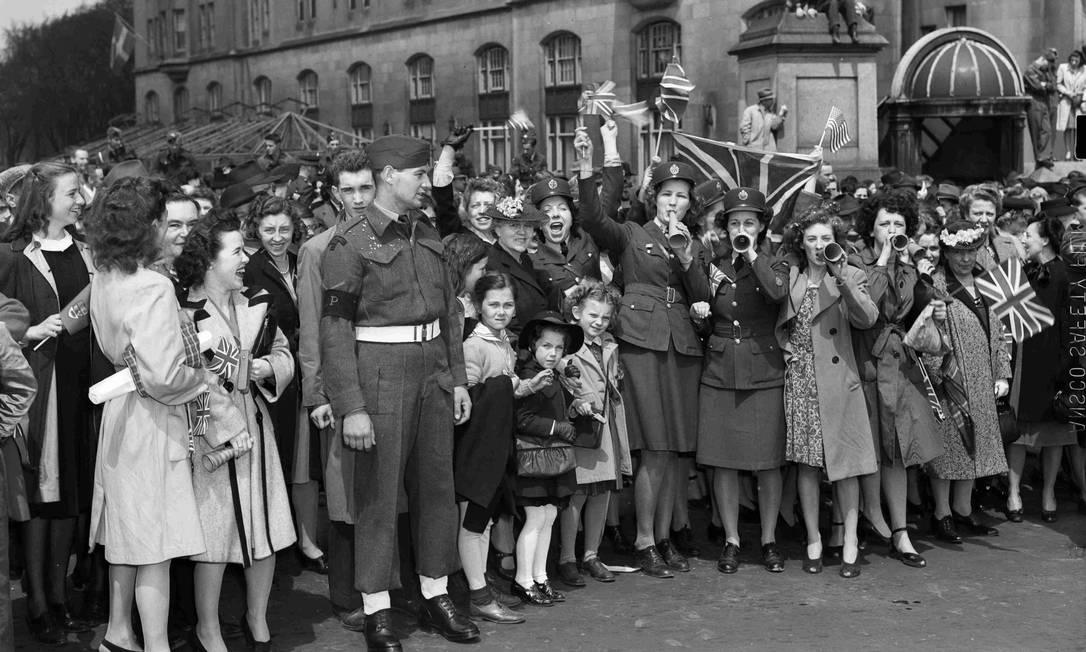 Público presente nas comemorações do Dia da Vitória no Canadá HANDOUT / REUTERS