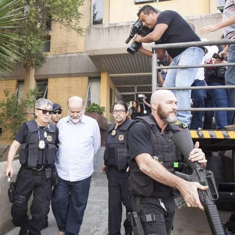 João Vaccari Neto ao ser preso pela Polícia Federal, em abril deste ano Foto: Rafael Forte