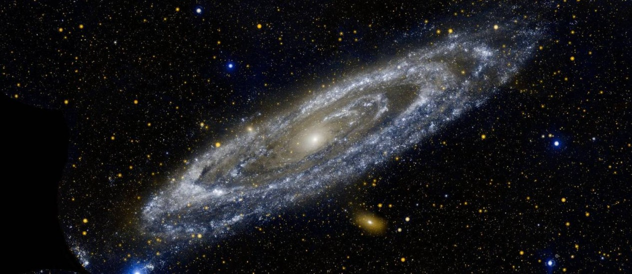 Resultado de imagem para imagens da galáxia de andrômeda