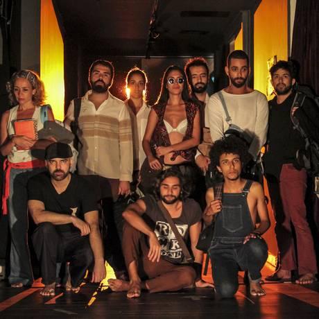 """Elenco do espetáculo """"Próxima Parada"""" Foto: Rodrigo Turazzi / Divulgação"""