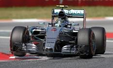 Rosberg foi o mais rápido no primeiro treino e ficou em terceiro lugar no segundo treino na Catalunha Foto: GUSTAU NACARINO / REUTERS