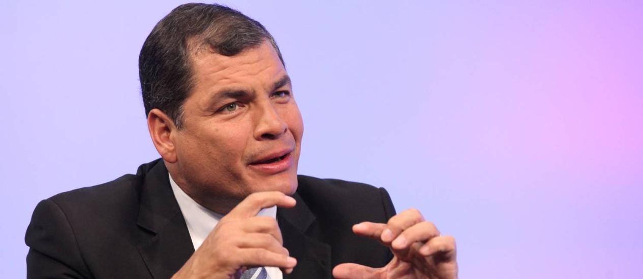 Rafael Correa. Jovem equatoriano que fez gestos contra o presidente foi condenado a cumprir 20 horas de serviços comunitários Foto: Eduardo Santillán Trujillo / AFP