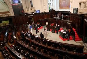 Plenário da Alerj: Casa decidiu voltar atrás sobre reajuste para estagiários Foto: Marcelo Theobald / Agência O Globo (02/09/2014)