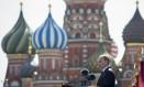 O presidente russo, Vladimir Putin, discursa durante as comemorações do 70º aniversário da derrota dos nazistas na Segunda Guerra Mundial, na Praça Vermelha, em Moscou Foto: Alexander Zemlianichenko / AP