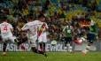 Vinícius no momento do chute salvador: depois de muito insistir, o Fluminense enfim conseguia marcar seu gol contra o Joinville