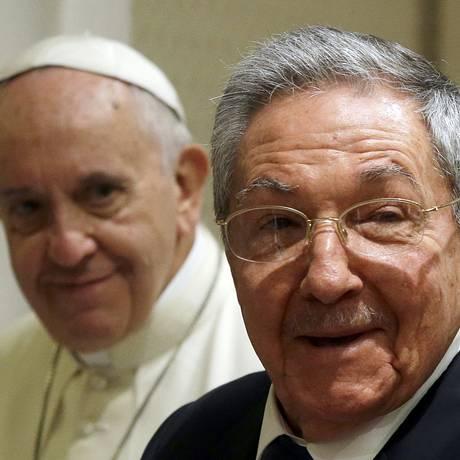 Encontro entre Raúl Castro e Papa Francisco no Vaticano durou quase uma hora Foto: POOL / REUTERS