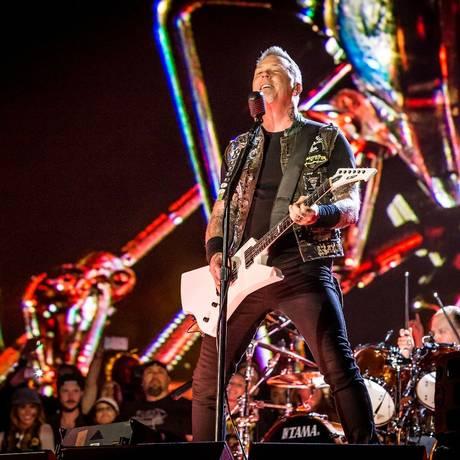 De pertinho: 120 fãs assistiram no palco ao show do Metallica Foto: Divulgação