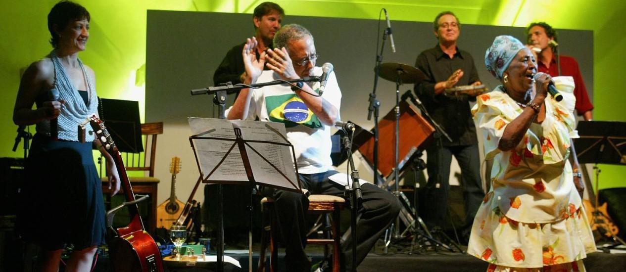 Dona Selma do Coco se apresentou no Projeto Pixinguinha, em 2004 Foto: Camilla Maia