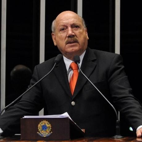 O senador Luiz Henrique (PMDB-SC) Foto: Divulgação