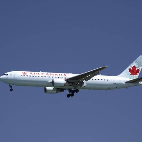 Um Boeing 767 da Air Canada pousa no Aeroporto Internacional de São Francisco, em 16 de abril de 2015 Foto: Reuters/Louis Nastro