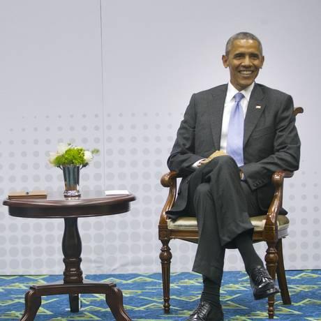Raúl Castro e Barack Obama em reunião na Cúpula das Américas, realizada em abril, no Panamá Foto: Pablo Martinez Monsivais / AP