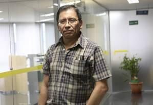 """Crise. David Ossa, que fora demitido em 2009, perdeu novamente o emprego: """"A situação não está nada fácil"""" Foto: Marcos Alves / Agência O Globo"""