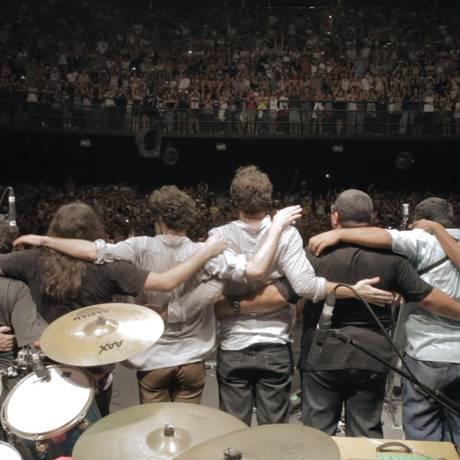 A banda no último show da turnê de 2012, na Fundição Progresso Foto: Divulgação