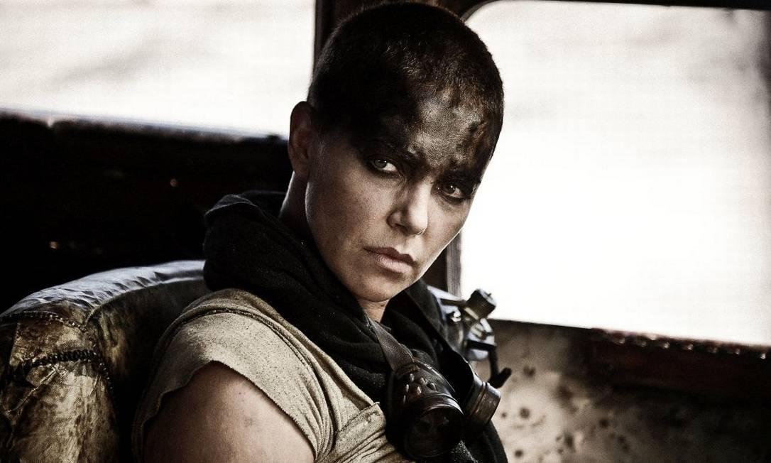 Charlize interpreta a personagem Imperator Furiosa no filme Foto: Divulgação