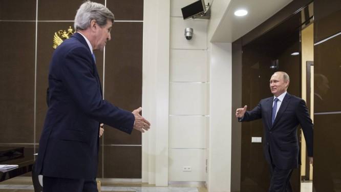 Kerry e Putin se encontram em Sochi Foto: Joshua Roberts / AP