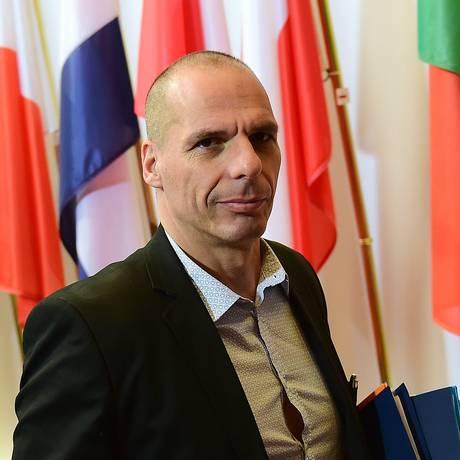 O ministro grego das Finanças, Yanis Varoufakis, em Bruxelas Foto: EMMANUEL DUNAND / AFP