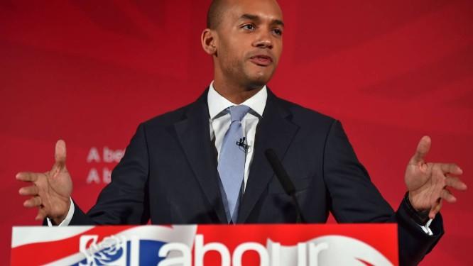 Chuka Umunna. Parlamentar, filho de um imigrante nigeriano, anunciou intenção de disputar a liderança do Partido Trabalhista, derrotado nas eleições britânicas Foto: BEN STANSALL / AFP