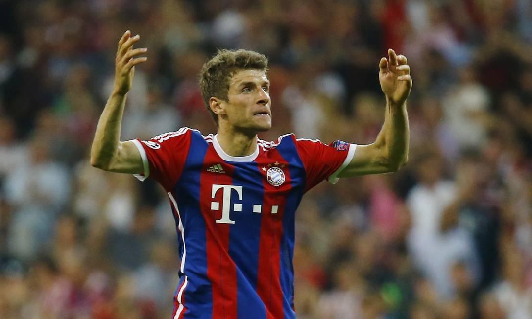 Com um belo chute da entrada da área, Müller fez o gol da vitória do Bayern Kai Pfaffenbach / REUTERS