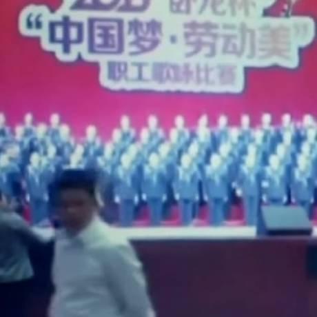 Palco em Bijie, na China. Oito pessoas ficaram feridas Foto: Reprodução