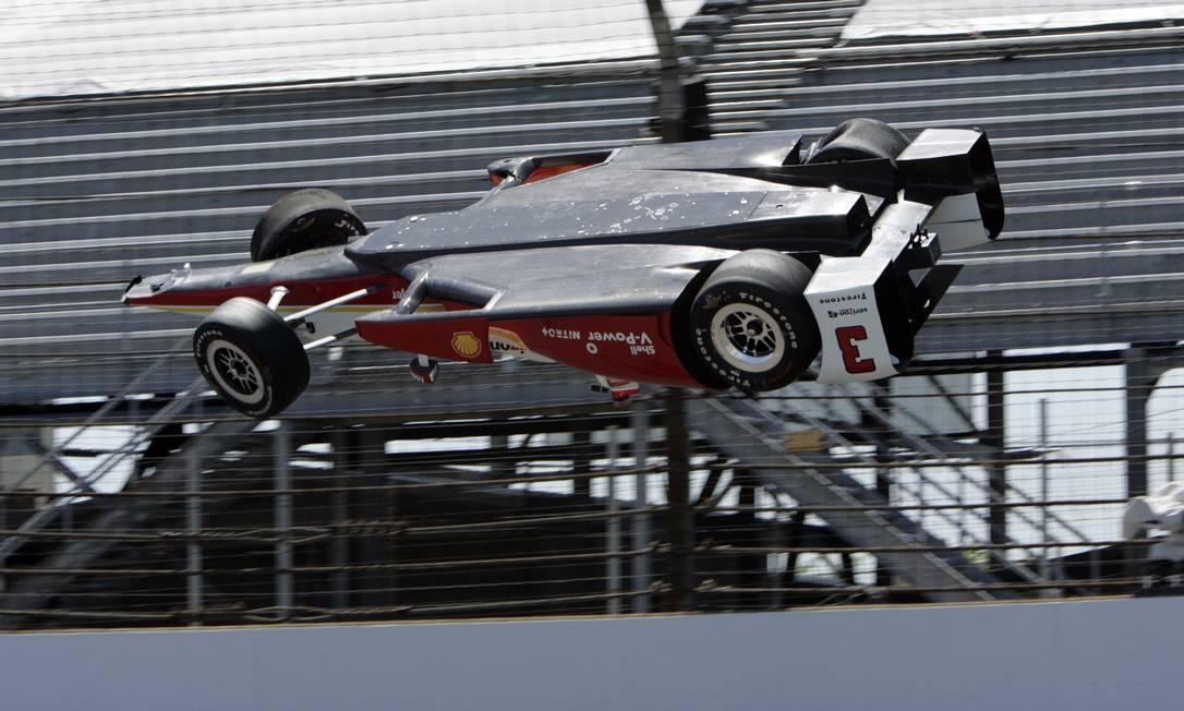 O carro do brasileiro voou, literalmente, nos treinos desta quarta-feira Joe Watts / AP