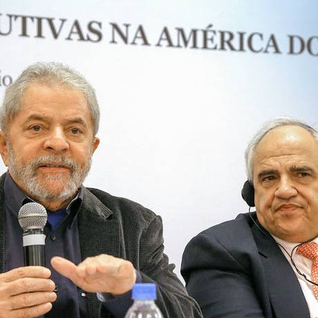 Lula ao lado do ex-presidente colombiano e secretário-geral da Unasul, Ernesto Samper Foto: Ricardo Stuckert / Instituto Lula