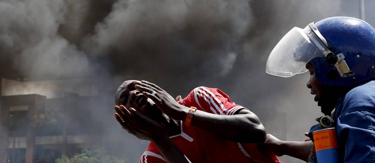 Dia de conflitos em Bujumbura deixou cidade em pânico Foto: GORAN TOMASEVIC / REUTERS