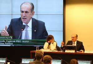 O deputado Marcelo Castro (PMDB-PI), relator da reforma política Foto: Ailton de Freitas / Agência O Globo
