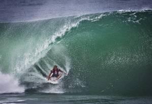 John John Florence é uma das atrações desta sexta na etapa carioca do Mundial de surfe, na Barra Foto: Guito Moreto / Agência O Globo